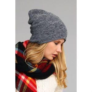 Slouchy Knit Beanie-BLACK & WHITE